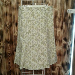 Gap size 16 skirt